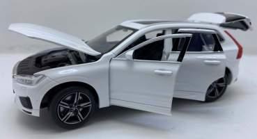 Macheta din metal Volvo xc60 alb scara 1:32 coteste rotile Tayum