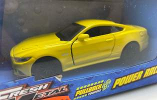 Macheta 2015 Ford Mustang gt galben 1/36