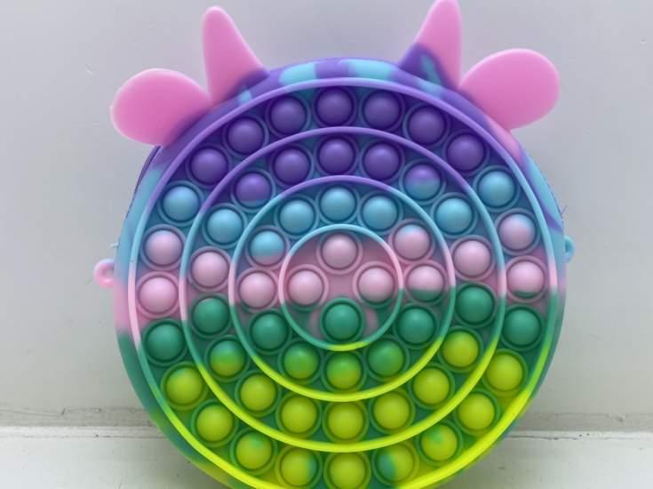 Jucarie antistres, Pop It forma geanta melc multicolor